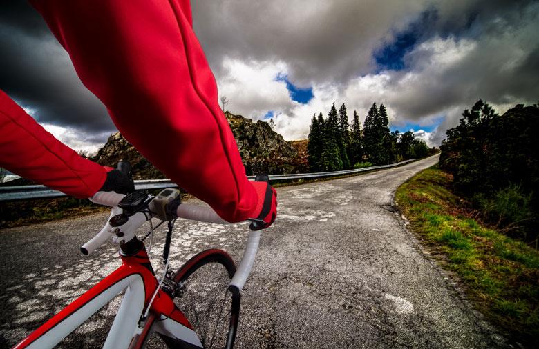 biker-on-mountain-trail-1