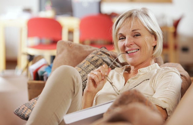 woman-relaxing-on-the-sofa